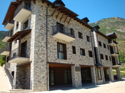 Commercial › Benasque |
