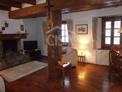 Cosy rustic apartment with good views opposite ski slopes, 2 bedrooms, parking-space | 2 Bedrooms | 1WC