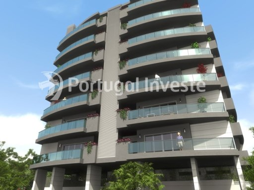 Unique opportunity. For sale fantastic 4 bedrooms apartment in Park View Building, with 191 sq/m and garage box, 10 minutes away from Lisbon, in Almada. 
