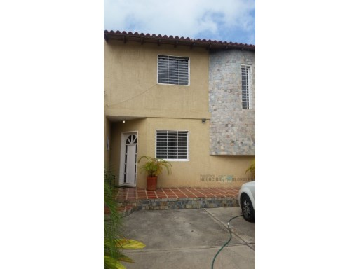 House › Caroní | 4 Bedrooms | 3WC