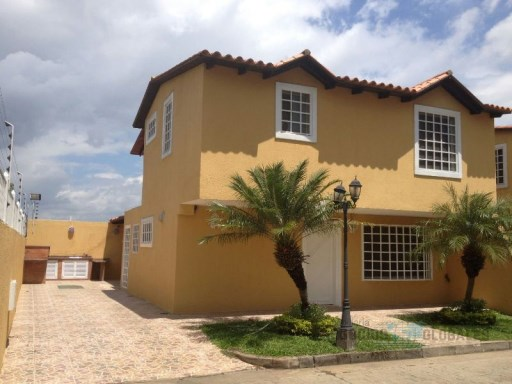 Townhouse › Caroní | 3 Bedrooms