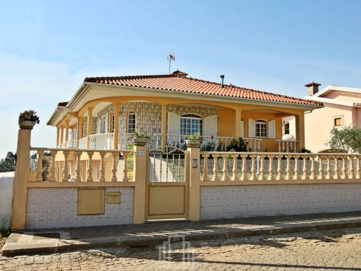 Detached House › Ovar | 3 Bedrooms | 3WC