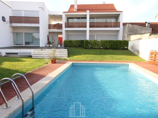Two-flat House › Ovar | 2 Bedrooms | 3WC