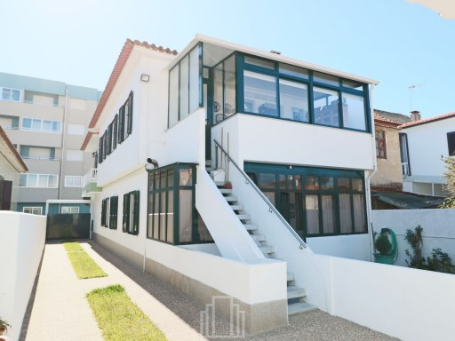 Semi-Detached House › Ovar | 4 Bedrooms | 2WC
