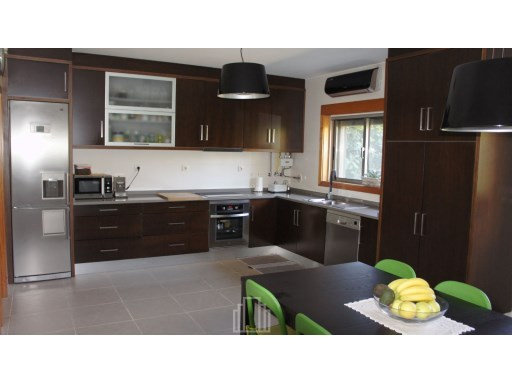 Semi-Detached House › Ovar | 4 Bedrooms | 3WC