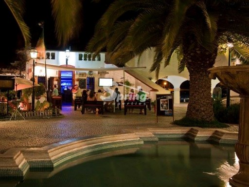 Excellent business, bar in Carvoeiro in full operation  |