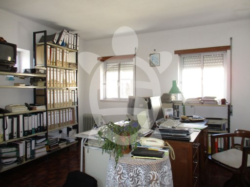 House › Coimbra | 2 Bedrooms + 1 Interior Bedroom | 2WC