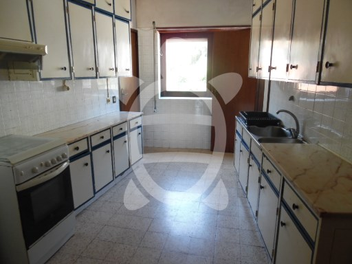 Apartment › Coimbra | 3 Bedrooms + 1 Interior Bedroom | 2WC