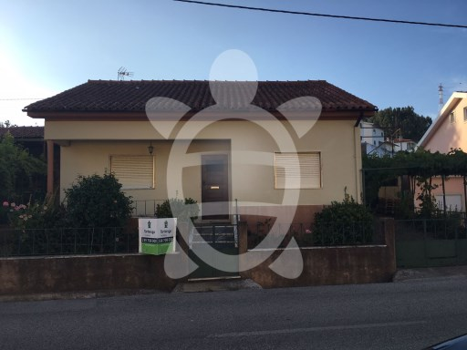 House › Coimbra | 4 Bedrooms | 2WC
