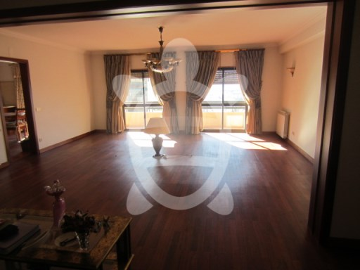 Apartment T4 in Chauhan | 4 多个卧室 | 3WC