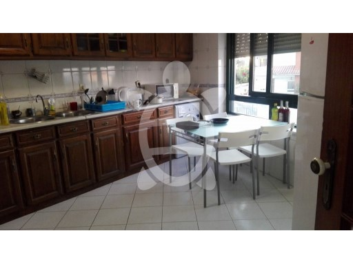 Apartment › Coimbra | 3 Bedrooms + 2 Interior Bedrooms | 2WC