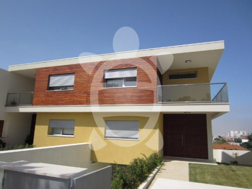 House › Figueira da Foz | 3 Bedrooms + 1 Interior Bedroom | 3WC