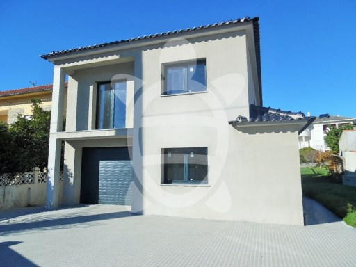 House › Coimbra | 4 Bedrooms | 4WC