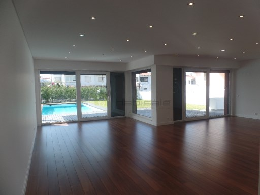 House › Cascais | 5 Bedrooms + 1 Interior Bedroom | 5WC