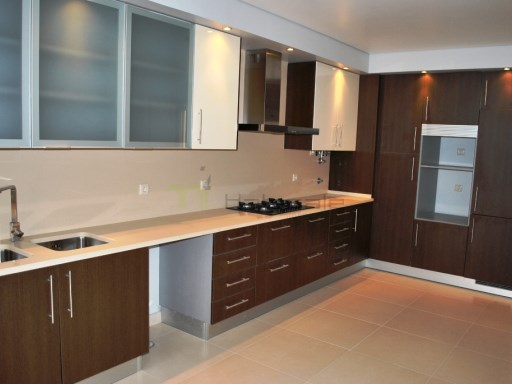 House › Amadora | 6 Bedrooms + 1 Interior Bedroom | 5WC