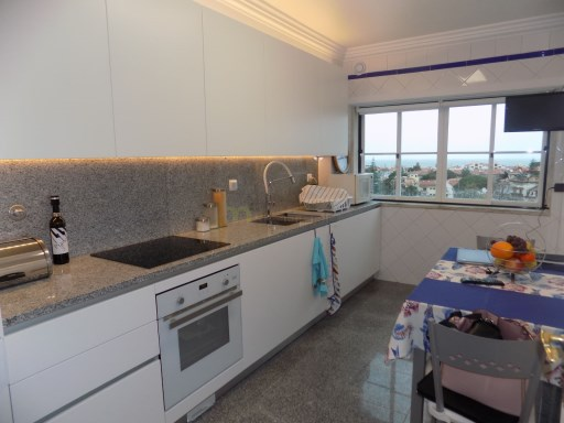 Apartment › Cascais | 2 Bedrooms + 1 Interior Bedroom