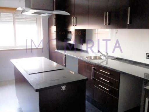 Apartment › Amadora | 3 Bedrooms | 2WC