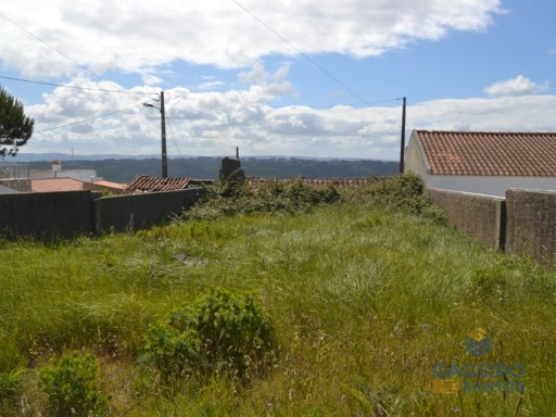 Land with 2 building plots - Serra da Pescaria |