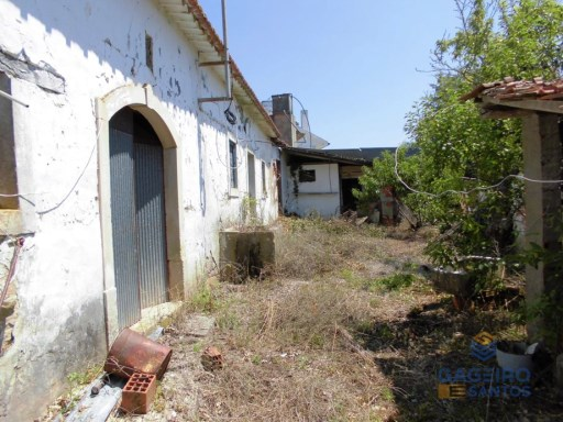 Old house to restore plus land with well - Vimeiro - Alcobaça - Silver Coast |