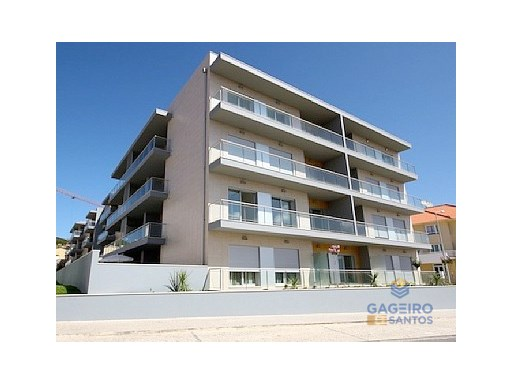 1 bedroom apartment, fully furnished, fitted kitchenet, communal pool and a parking place in São Martinho do Porto | 1 Bedroom | 1WC
