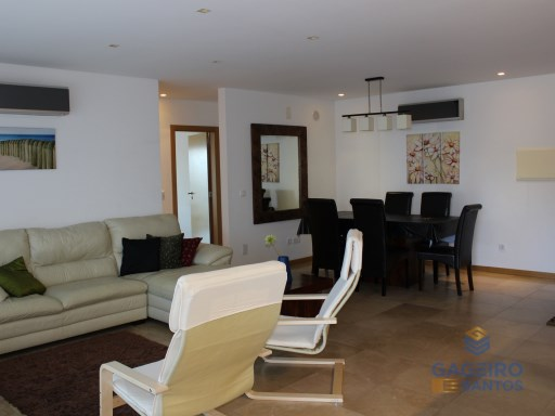 Luxury 3 bedroom apartment, furnished, air conditioning, central vacuum, electric blinds, pool, 2 parking spaces, located 550 meters from the beautiful beach of São Martinho do Porto | 3 Zimmer | 3WC