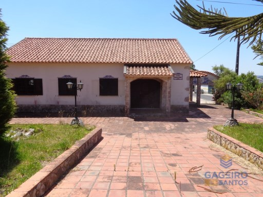 House › Caldas da Rainha | 4 Bedrooms | 2WC