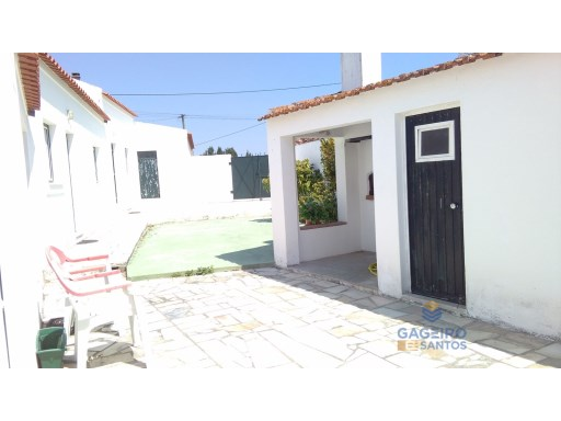 Villa with 2 bedrooms in quiet area situated in Évora de Alcobaça | 2 Bedrooms | 2WC