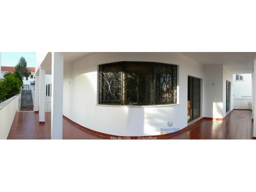 House › Nazaré | 3 Bedrooms | 6WC