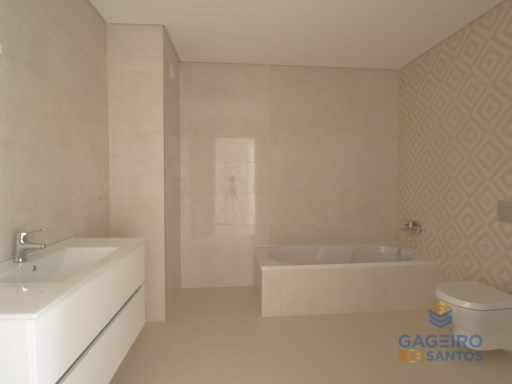 2 bedroom apartment, with parking place, storage and pool in Sao Martinho do Porto - Silver Coast | 2 Bedrooms | 1WC