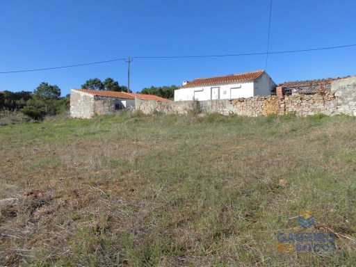 Old House with land and annexes, Serra dos Mangues, São Martinho do Porto -  Silver Coast |