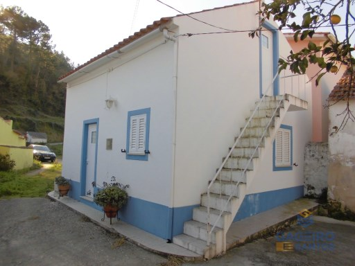 Townhouse with 3 bedrooms with land in Casal dos Apupos - Vimeiro - Alcobaça - Silver Coast | 3 Bedrooms | 2WC