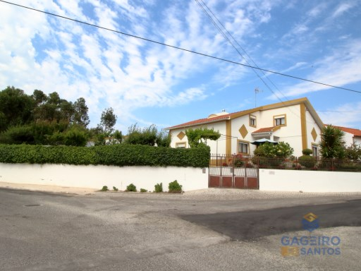 5 bedrooms Villa, with garage and pool - in a quiet place - Chão da Parada - Salir do Porto - Silver Coast | 5 Habitaciones | 2WC