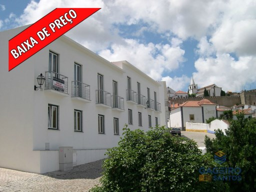 Cozy 2 bedroom House, furnished and equipped, very well located in Obidos, with terrace and barbecue. Panoramic views of the medieval castle of Obidos and the Church of the Lord of the Stone. | 2 Bedrooms | 1WC