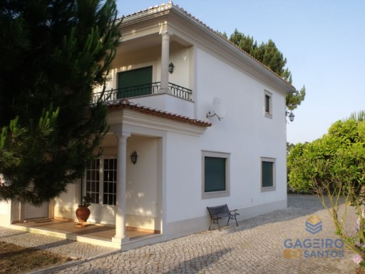 Detached 4 bedrooms villa, with garage and plot - Nadadouro - Caldas da Rainha - Silver Coast | 4 Habitaciones | 3WC