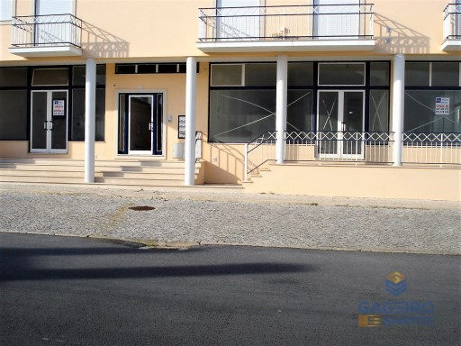 Shop for sale or rent, São Martinho do Porto.- Silver Coast |