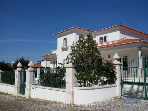 House › Caldas da Rainha | 7 Bedrooms | 6WC