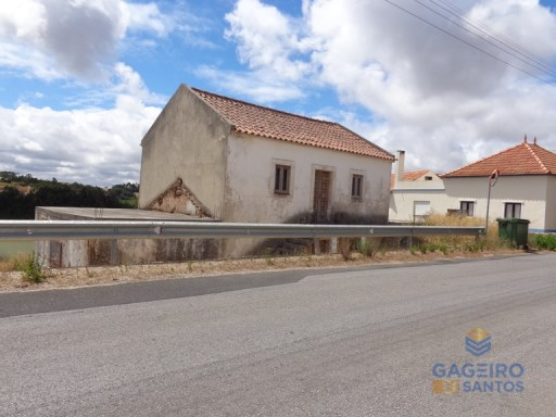 Old House to recover, with financing. | 2 Bedrooms | 1WC