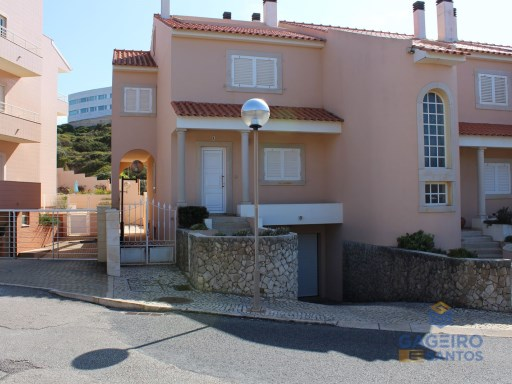 4 bedroom villa with garage and attic in São Martinho do Porto - Silver Coast | 4 Bedrooms | 3WC
