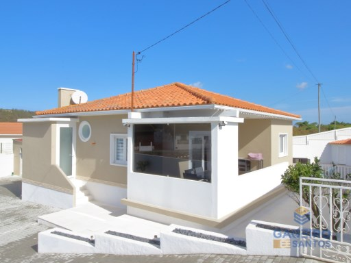 2 bedroom villa with pool and garage next to the beach of Salir do Porto - Silver Coast | 2 Habitaciones | 3WC