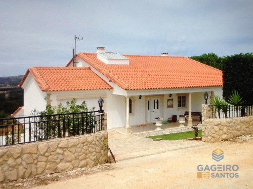 4 bedroom villa with sea view, pool, land and garage - Casal Pardo - Silver Coast | 4 Bedrooms | 3WC