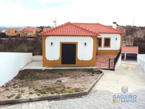 House › Alcobaça | 3 Bedrooms | 3WC