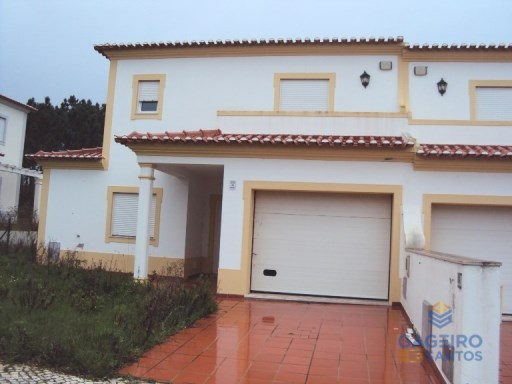 3 bedroom villa located in Vau, Obidos. | 3 Bedrooms