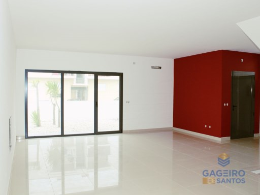 House 4 bedrooms detached villa with pool-Nazareth | 4 Bedrooms | 1WC