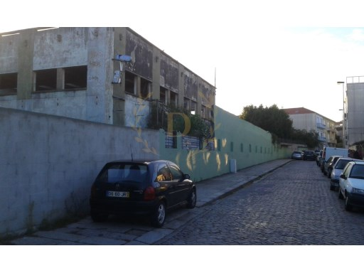 Plot of land with approximately 5800 m2 for construction in Padilla |