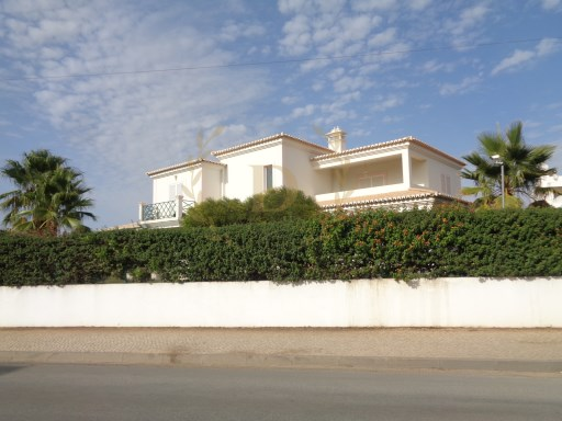 Detached house M4 for annual lease-Ferragudo | 4 Bedrooms | 3WC
