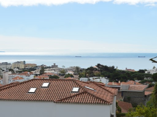 Apartments-excellent villa with stunning view of sea in Estoril. | 4 Bedrooms | 3WC
