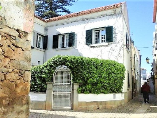 Villa to rent in Cascais | 3 Bedrooms | 2WC