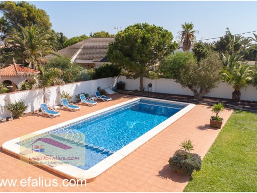 Cabo Roig - Villa Yellow-35%8/38