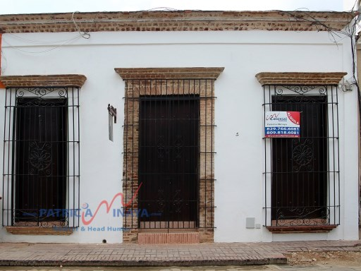 House for rent, for commercial use in the Colonial zone of Santo Domingo, with a beautiful courtyard |  | 1WC