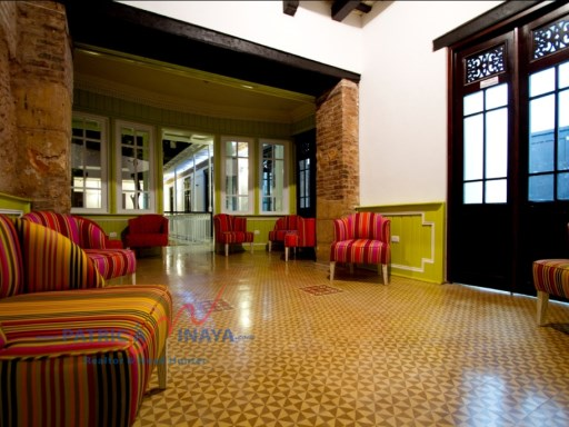 For sale / for rent beautiful Hotel restaurant in the Zona Colonial |